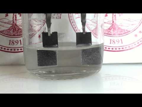 Stanford water splitter produces clean hydrogen 24/7