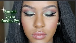 Emerald Green Holiday Smokey Eye Thumbnail