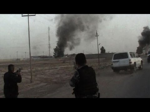 Iraqi soldiers battle militants outside Kirkuk
