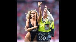 Tottenham liverpool sahaya giren kadın