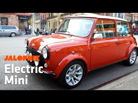 Jalopnik Drives an Electric Mini Cooper Around The City