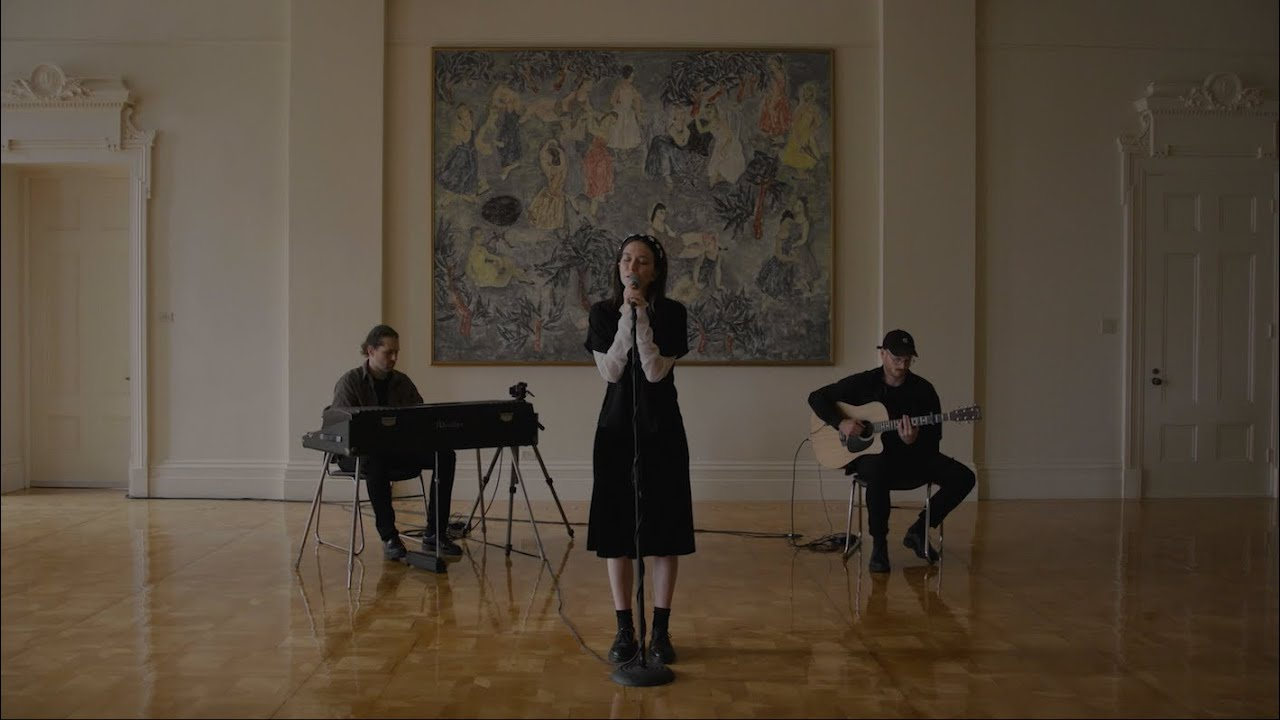 Ghostly Kisses - Live at Le Grand Salon