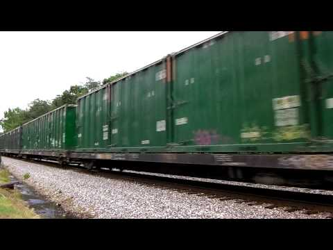 CSX Moves Trash w/ Friendly Crew