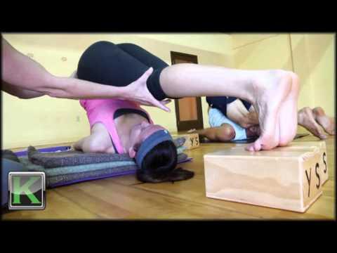 one minute yoga karnapidasana ear pressure pose  youtube