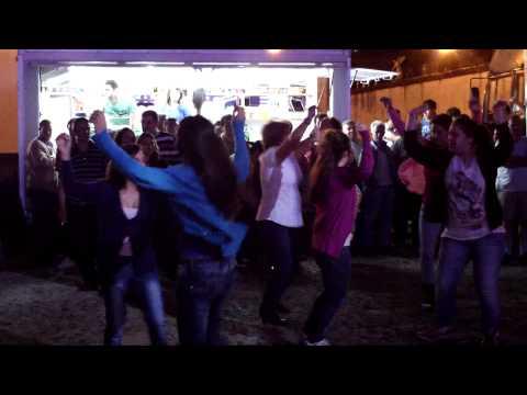 """Orquestra Costa Rica - Público a dançar """"Cabana Maior"""" - 2012"""