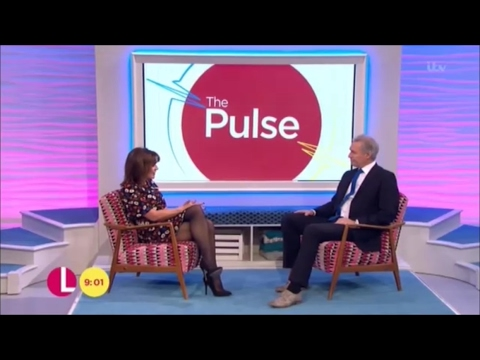 Lorraine Kelly terrific legs pt2