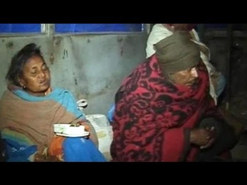 Delhi: Relief for homeless as abandoned buses turn into night shelters