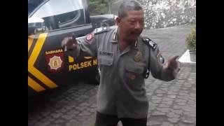 Polisi goyang dumang