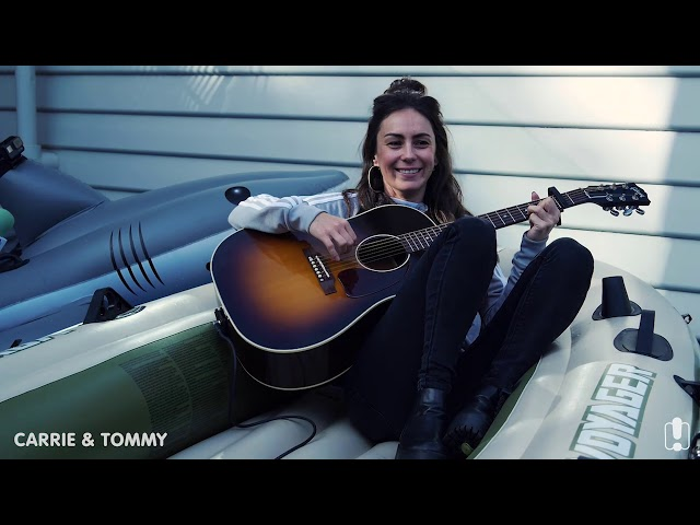 Amy Shark Performs 'Mess Her Up' In Carrie Bickmore's Pool | Carrie & Tommy