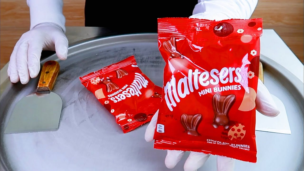 Maltesers Mini bunnies ice cream rolls street food - ايسكريم رول مالتيزرز