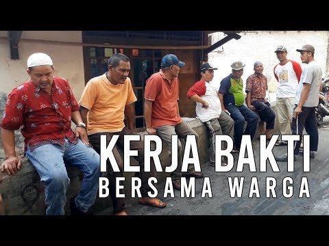 Kerja bakti bersama warga   Demi kebersihan lingkungan   Warga RW 01 Kebayoran Lama
