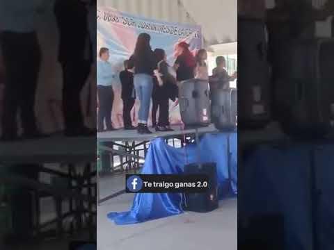 Luis Treviño - VIDEO: Se Cae Tarima Durante Fesitival Celebrando Dia De Las Madres