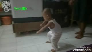 Download Video Anak kecil joget BOJO GALAK kocak MP3 3GP MP4