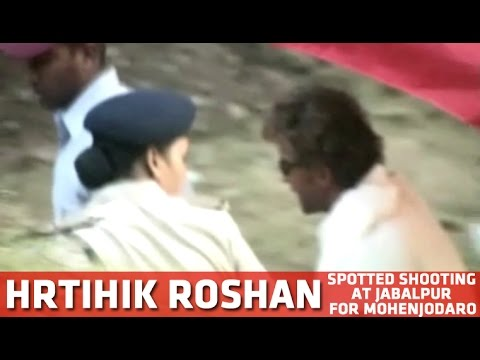 Hrithik Roshan Spotted Shooting At Bhedaghat (Jabalpur) For Mohenjodaro