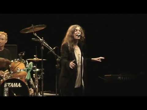 Patti Smith -Changing Of The Guards- Live 2007 Cagliari Anfiteatro Romano