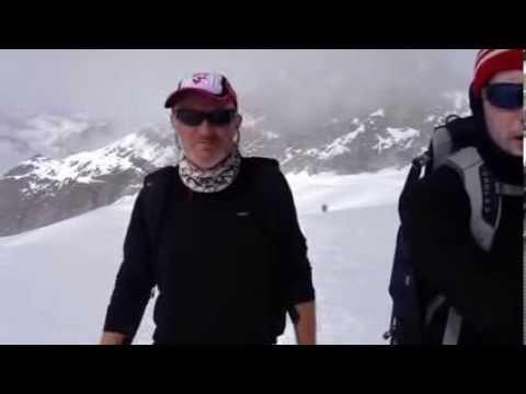 The Everest Academy: on the ice