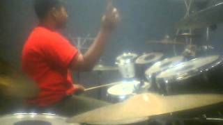Naufal drum cover This love Maroon 5, Istana Musik Jombang