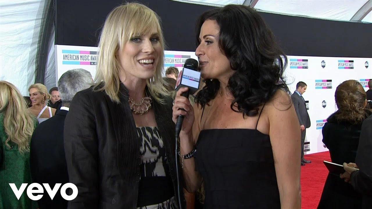 Download Natasha Bedingfield - 2010 Red Carpet Interview (American Music Awards)