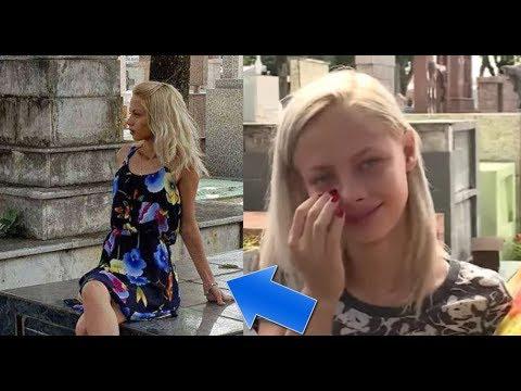 Mujer ve chica en el cementerio y le saca una foto, cuando su hermana la ve sucede lo impensable