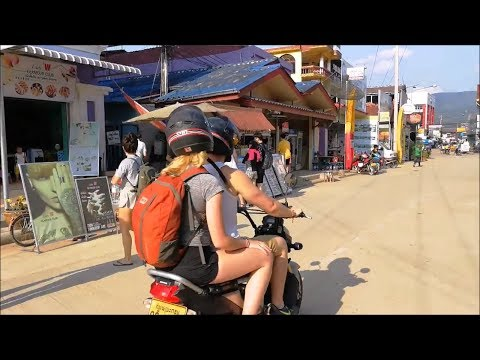 Trip to Vang Vieng laos travel ( Vientiane Province ) - Asian food