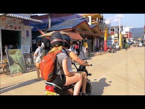Trip to Vang Vieng laos travel - Asian food