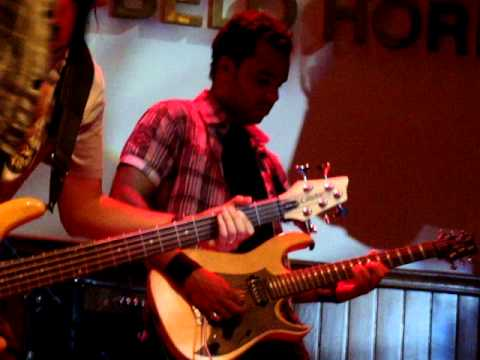 Kaos Hard Rock Cafe