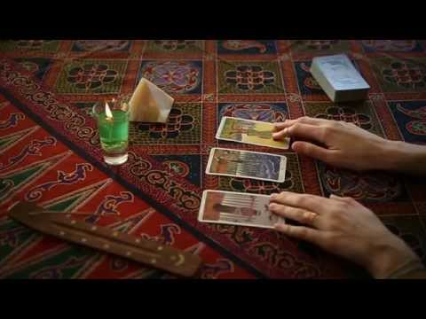 Past, Present and Future - a Tarot Reading