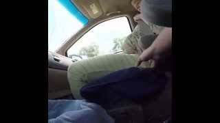 Mamma partorisce in macchina