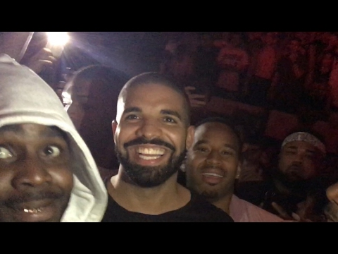 Drake jumps in crowd & moshs at Travis Scott in Portland, Oregon! With 600breezy