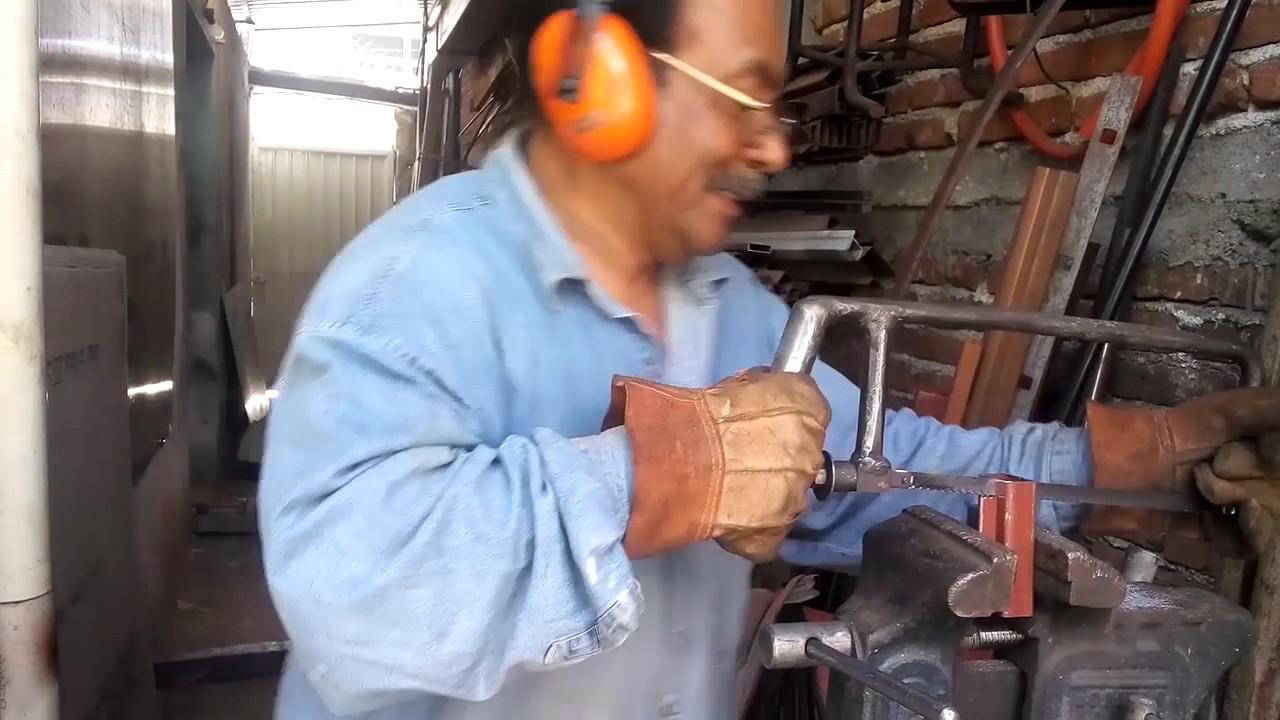 Como hacer una puerta metalica doovi - Como hacer una puerta mosquitera abatible ...