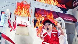 불이야!! 불이 났어요 유니의 구조요원 강아지 돌보기 놀이 Fire Man Vocational Experience 타이니키즈파크 - 로미유 브이로그 Romiyu Vlog