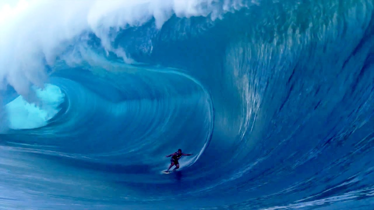 Surfing Heavy Waves At Teahupo U0026 39 O 2013