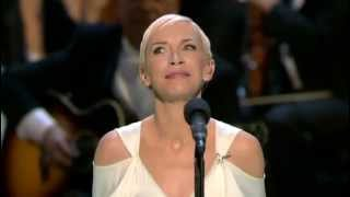 Repeat youtube video Oscar 2004 = Into the West by Annie Lennox