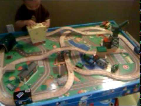 : train table set up - pezcame.com