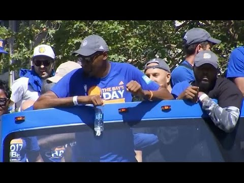 WARRIORS PARADE: Crowd Cheers NBA Finals MVP Kevin Durant