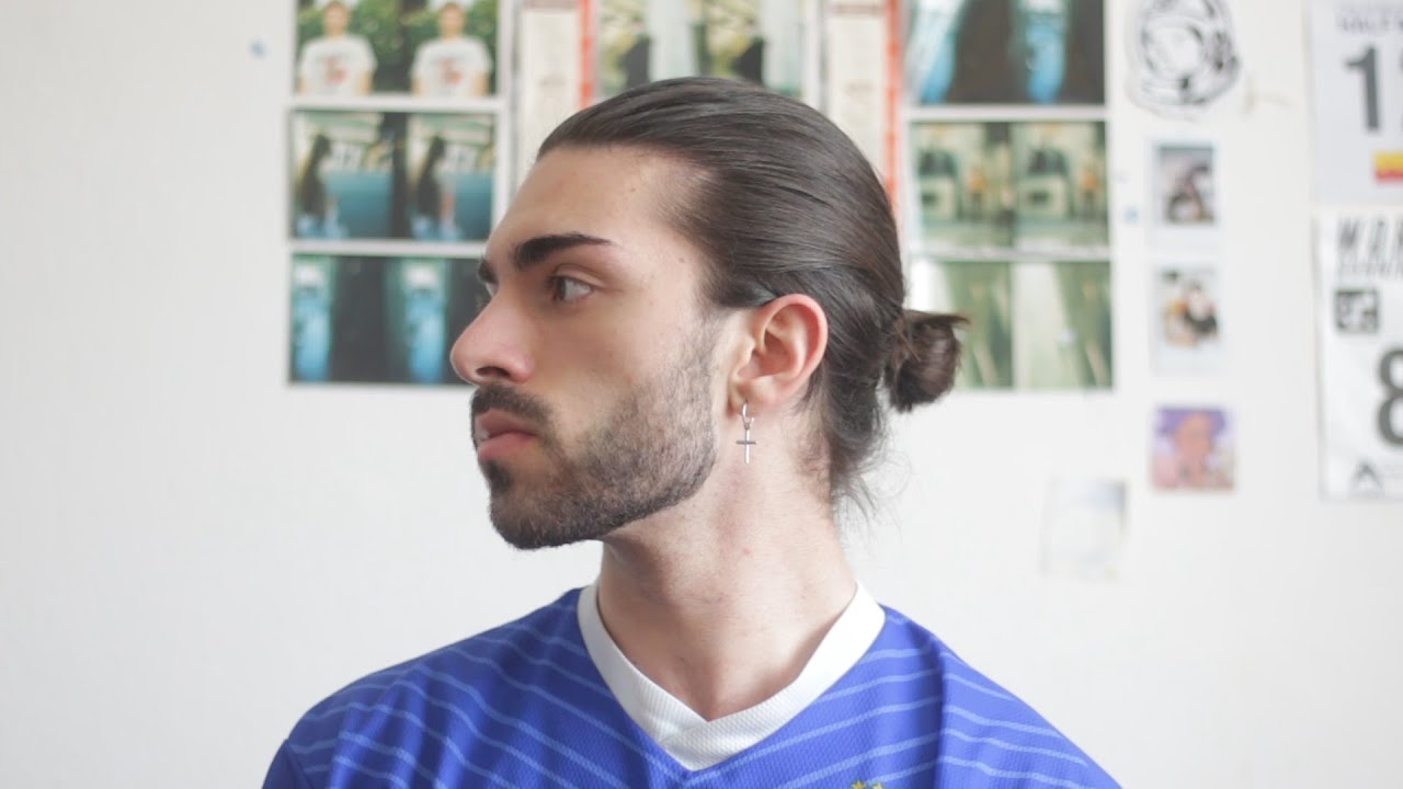 How To Do A Man Bun 1 Year Of Hair Growth Youtube