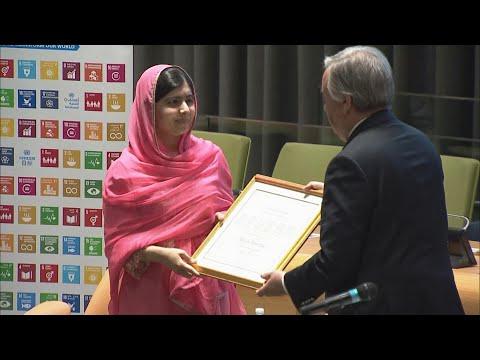 Vencedora do prêmio Nobel da Paz se emociona visitar seu país | SBT Brasil (31/03/18)