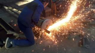 видео Изготовление металлических лестниц и цена монтажа конструкции