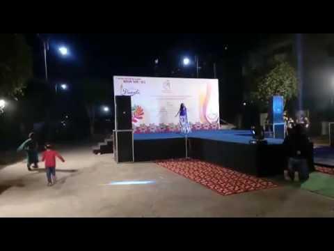 Dance on nagada sang dhol baje