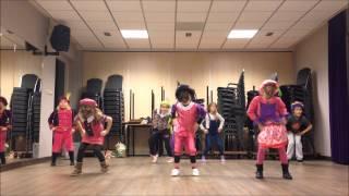 Mini Dance - Sinterklaas Welkomstdans 04-12-2014