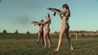 Обнаженные девушки и оружие. Naked girls and guns. ТП с оружием!(Красивые девушки стреляют из мощного оружия, но имеются и такие девушки которые явно держат оружие впервые..., 2015-10-05T19:30:12.000Z)