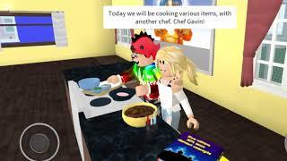 Roblox Bloxburg- Chef Noodles (Gigi) and Chef Maquito (Gavin) Cooking Show!