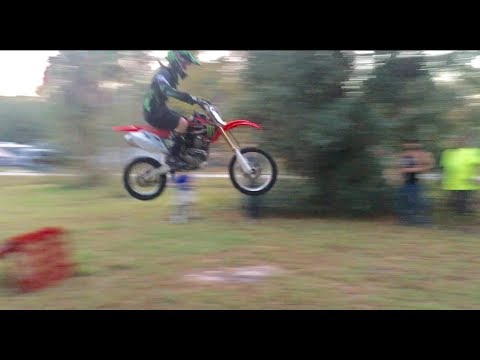 Portable freestyle motocross ramp