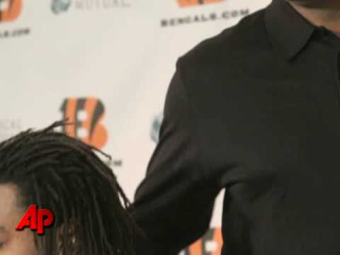 Bengals Add Depth With Larry Johnson