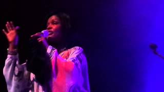 CeCe Winans - Alabaster Box Live in London