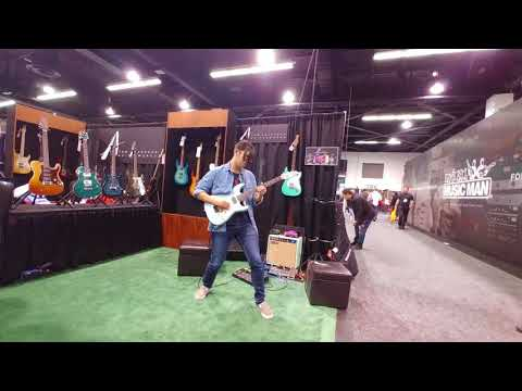 NAMM 2018 - Tom Anderson booth