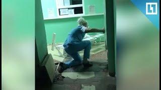 'Пьяная' медсестра наглоталась таблеток
