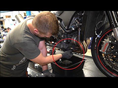 Ölwechsel am Motorrad SELBER MACHEN (So geht es richtig)