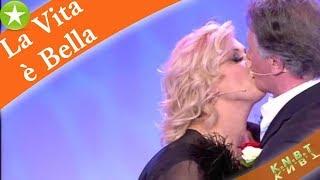 Tina Cipollari beccata dietro le quinte di Uomini e Donne: ecco cosa faceva | M.C.G.S