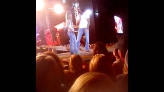"Jake Owen Talks Divorce From Lacey Buchanan on Stage: ""This Is the Hardest S--t"